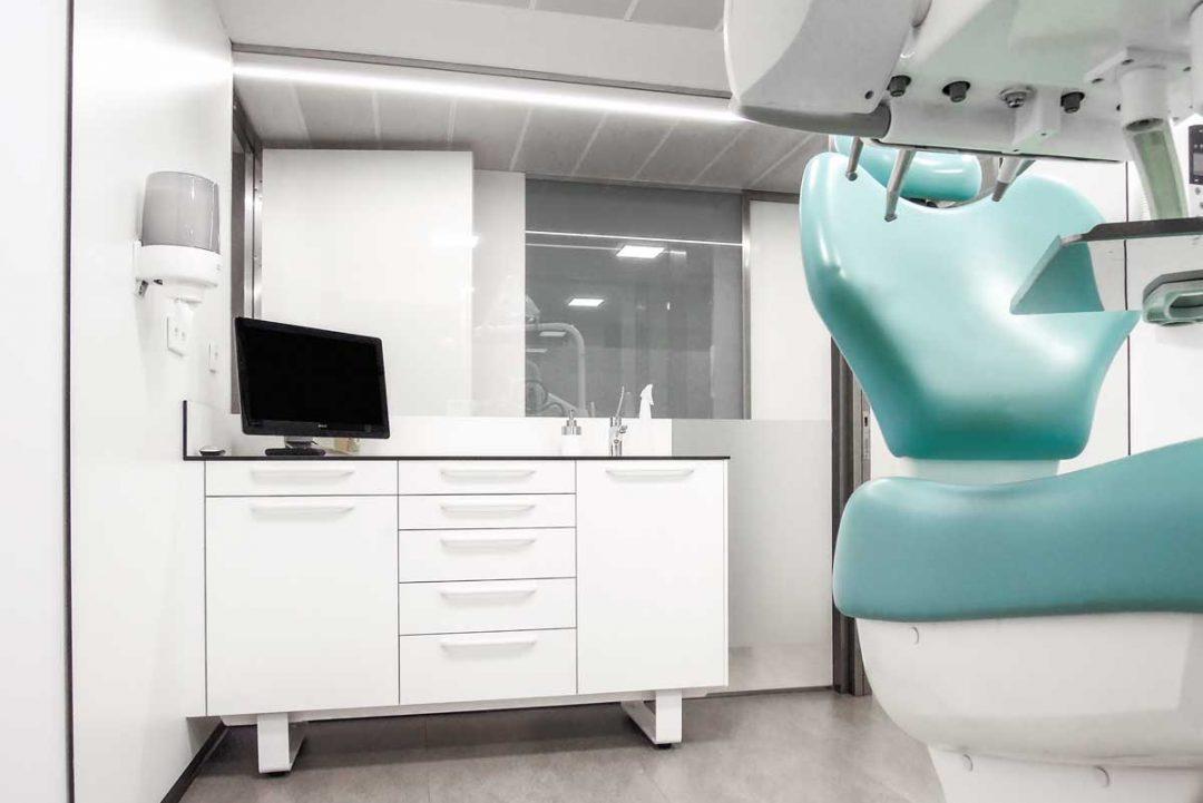 mobiliario-clinico-pata-03