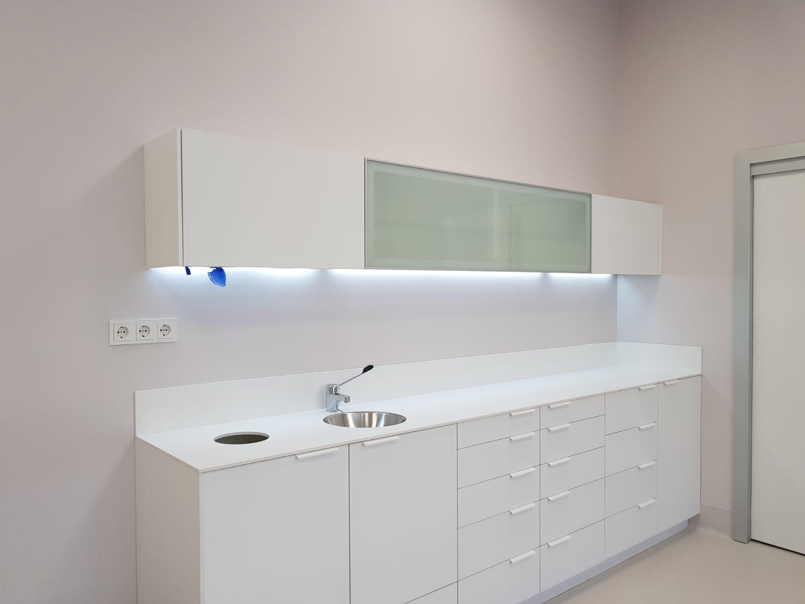 mobiliario clinico en Faes Farma
